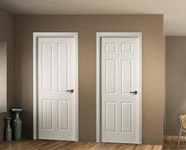 Porta da interni / battente / in legno / laccata