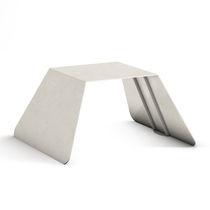 Sgabello moderno / in acciaio galvanizzato / per spazio pubblico / da esterno