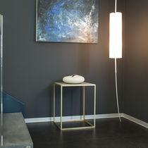 Tavolo d'appoggio moderno / in acciaio laccato / in calcestruzzo / quadrato