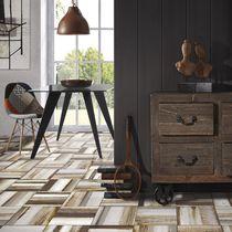 Piastrella per pavimento / in ceramica / satinata / aspetto legno