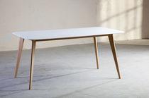 Tavolo moderno / in legno / in Corian® / per edifici pubblici