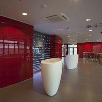 Banco reception a semicerchio / in Corian®