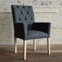 Sedia da pranzo chesterfield / in legno / in lana / con braccioli