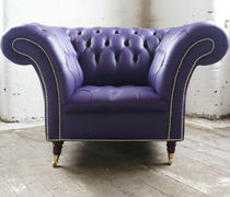Poltrona chesterfield / in pelle / con rotelle / viola