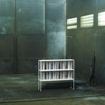 Libreria bassa / moderna / in metallo