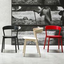 Sedia moderna / impilabile / in faggio / in legno massiccio