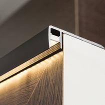Profilo per gradini in alluminio anodizzato / con profilo illuminato a LED