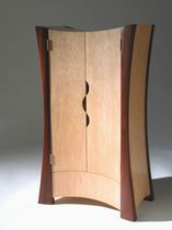 Armadio design originale / in legno / con porta battente