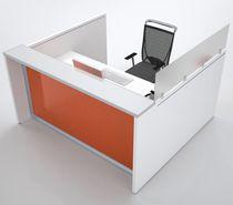 Banco reception d'angolo / in legno / in alluminio anodizzato / in vetro
