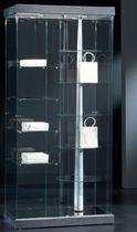 Vetrina moderna / con piede / in vetro / in legno laccato