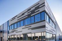 Rivestimento di facciata in alluminio / ondulato / liscio / prelaccato