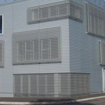 Rivestimento di facciata in acciaio / in acciaio galvanizzato / in zinco-alluminio / in alluminio preverniciato