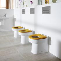 WC da appoggio / in porcellana / con sciacquone ad incastro / per bambini
