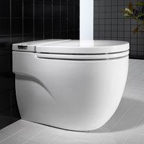 WC da appoggio / in porcellana / con sciacquone ad incastro