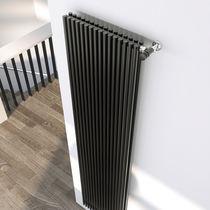 Radiatore ad acqua calda / in acciaio / moderno / con struttura tubolare
