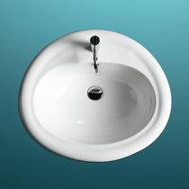 Lavabo da incasso / ovale / in ceramica / moderno