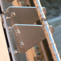 Sistema di fissaggio metallo / per rivestimento di facciata / per esterni / per interni