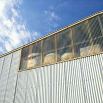 Rivestimento di facciata in acciaio / ondulato / in pannelli