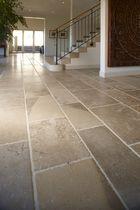 Piastrella da interno / da pavimento / in pietra naturale / levigata