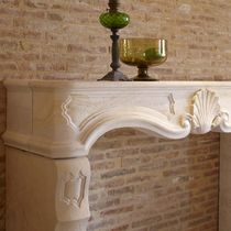 Cornice per camino classica / in pietra