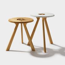 Tavolo d'appoggio moderno / in quercia / in noce / rotondo