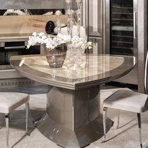 Tavolo da pranzo moderno / in legno / triangolare