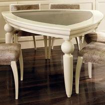Tavolo classico / in legno laccato / in vetro / triangolare