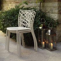 Sedia moderna / impilabile / in metallo / da esterno