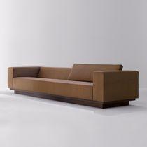 Divano moderno / in legno / 3 posti / marrone