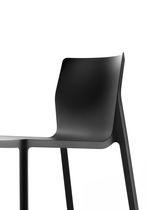 Sedia moderna / con braccioli / impilabile / in polipropilene
