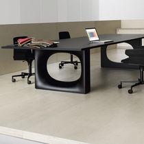 Tavolo da conferenza moderno / in metallo / rettangolare / nero