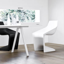 Sedia moderna / cantilever / in polipropilene / per edifici pubblici
