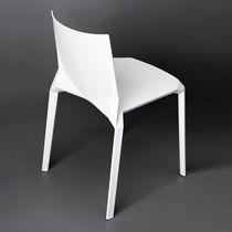 Sedia moderna / impilabile / in plastica / per hotel