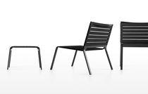 Poltrona design minimalista / in alluminio / impilabile / da giardino