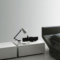 Comodino moderno / in legno laccato / rettangolare / per hotel