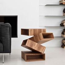 Tavolo d'appoggio design originale / in legno / in metallo / quadrato