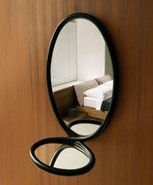 Specchio a muro / moderno / ovale / in legno massiccio