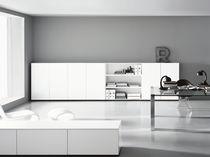 Set scrivania e scaffale di Piero Lissoni