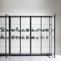 Vetrina moderna / in vetro / in quercia / in alluminio