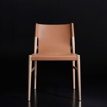 Sedia moderna / ergonomica / in legno / in pelle