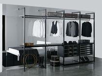 Cabina armadio moderna / in legno / su misura / di gamma superiore