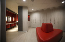 Armadietto spogliatoio in legno / per edifici pubblici / per impianto sportivo / per ambienti umidi