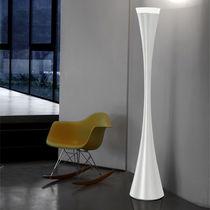 Lampada con piede / design originale / in resina / da interno