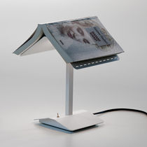 Lampada da tavolo / design originale / in metallo / da interno