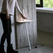 Lampada con piede / design originale / in metallo / da interno