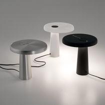Lampada da tavolo / design originale / in resina / da interno