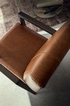 Poltrona moderna / in legno / in tessuto / in pelle