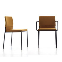 Sedia moderna / con braccioli / imbottita / impilabile