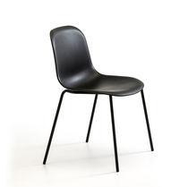Sedia visitatore design scandinavo / con braccioli / imbottita / impilabile