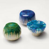 Tavolo d'appoggio moderno / in ceramica / rotondo / da giardino